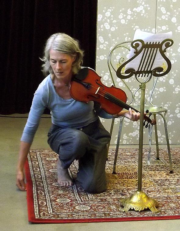 asa-ekberg-tant-meier-violin2